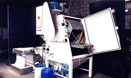 Automatic Wet Blasting Cabinet - Barrel processing
